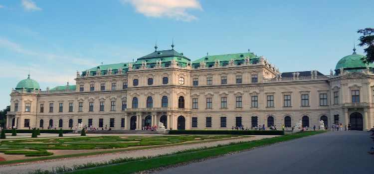 Außenansicht des Schloss Belvedere